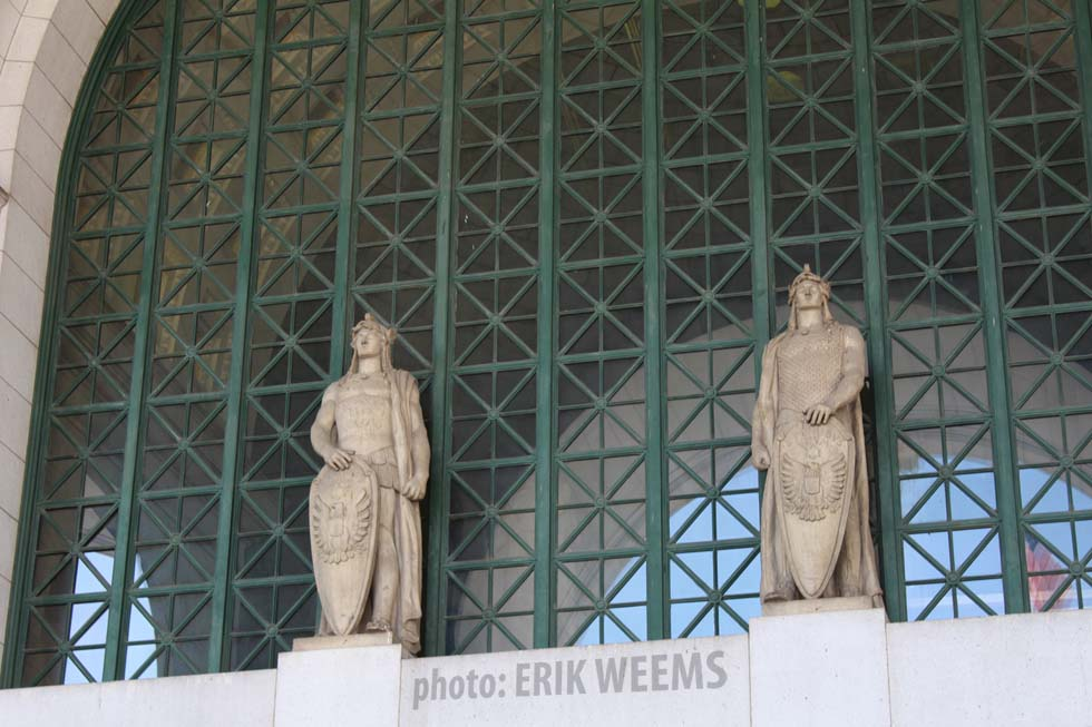 UnionStation statues with swords